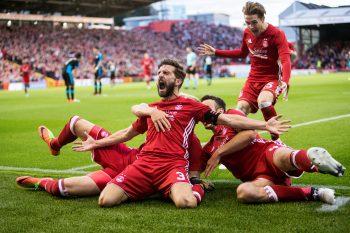 Sports Photography Aberdeen - Shinnie celebration shot